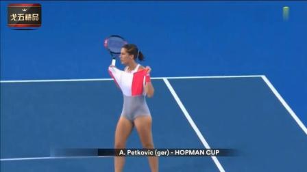 体育运动中那些尴尬的时刻(7)-比赛途中撩裙子是
