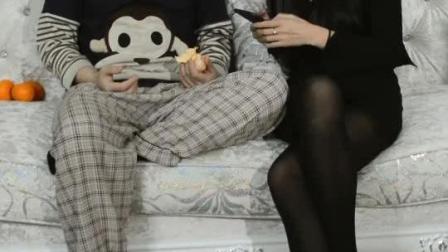 丝袜美女搞笑之 香水有毒
