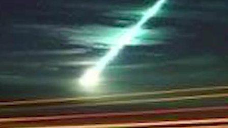 火流星照亮美国密歇根州