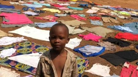 非洲奇闻之事很多, 你可能没有见过的晾衣方式