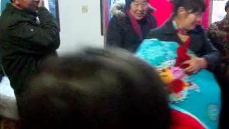 实拍河北涉县农村结婚风俗: 铺床