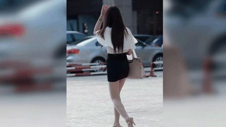 短裙美女正在路边等男友, 没注意身后, 监控拍下