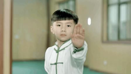 """太极萌娃现身""""武林"""", 才7岁就让亲爹拜师学艺"""