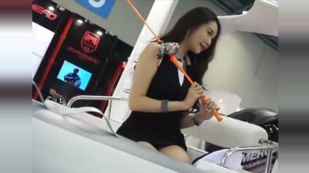 韩国美女车模自拍美照, 网友戏称: 多想成为那自