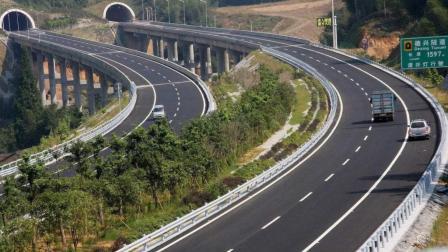 """中国首条""""不限速""""高速已开建, 限速120成"""