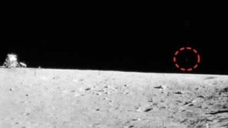 阿波罗15号登月机密视频, UFO停在陨石坑旁?