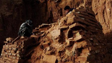 村民炸山惊现怪事, 吓的来找考古专家, 专家听后