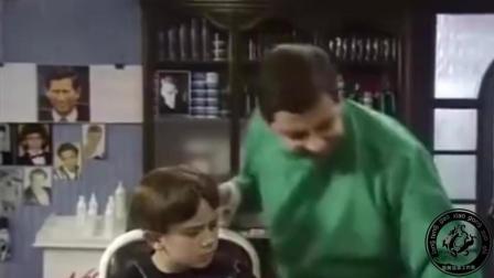 #搞笑视频##国外搞笑##憨豆先生##爆笑#憨豆变理发