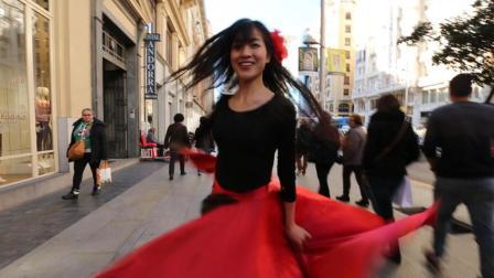 点击观看《微小微广场舞 西班牙神曲 Despacito 舞蹈 很微小微街头舞的节奏》