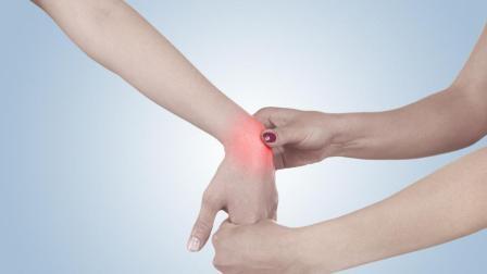 鼠标手是腰椎病的前兆 教你几个小动作 每天3分钟 拯救鼠标手