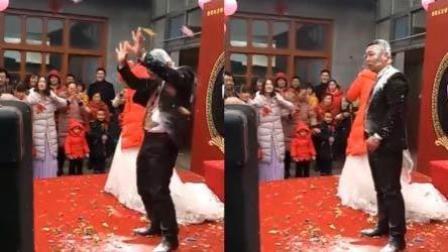 婚礼又现新人被恶搞