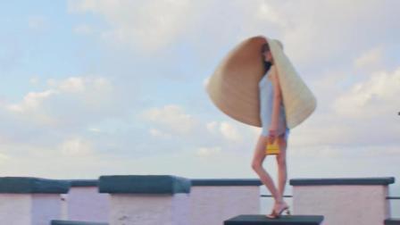 LA BOMBA 一镜到底的创意广告, 满屏的大长腿