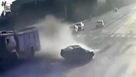 出租车消防车惨烈相撞 的哥乘客死亡