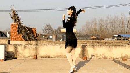 点击观看《燕子广场舞5211《想你就能梦见你》编舞 范范 伦巴恰恰舞》