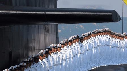 他不是军队大领导  为啥中国海军见他奉若神明  美军大气不敢喘?