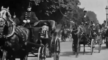 老视频之1898年巴黎香榭丽舍街拍, 各种宝马车穿