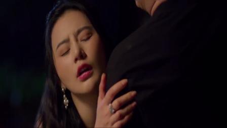 宅男半夜看日本爱情片,美女投怀送抱上门找酒喝!会发生什么呢?