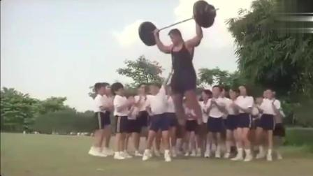 李连杰儿子在学校被体育老师欺负, 结果悲剧的却是老师!