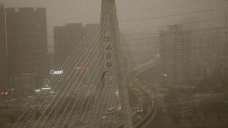 沙尘来了! 北京发布沙尘蓝色预警