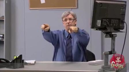歪果仁搞笑视频, 国外办公室爆笑恶搞, 带透视功