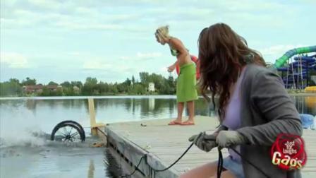 奇趣搞笑视频集, 国外泳池边爆笑恶搞, 小伙子快