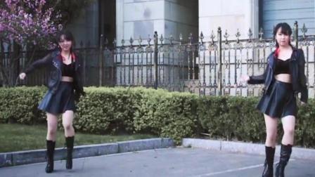 点击观看《年轻妹子小短裙 动感双人健身舞》