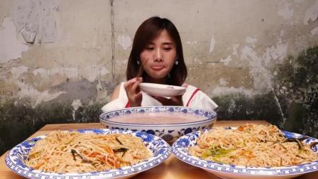 """大胃王密子君: 萌妹子变身""""小红帽: 怒吃3大碗"""