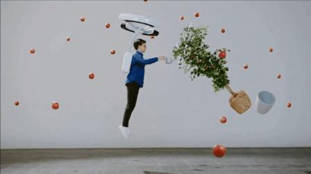 """大学生发明""""反重力""""悬浮背包, 正常人弹跳力提升3倍"""