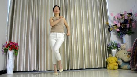 烛英广场舞 姑娘 清新脱俗步子舞 很高雅的辣妈舞动自己的青春