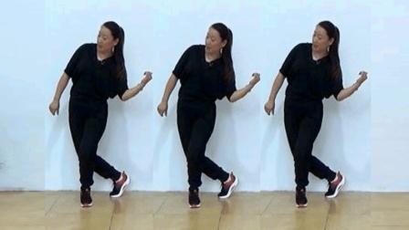 点击观看《32步鬼步舞教学 女人没有错 正背面示范 口令分解 蓝莓广场舞》