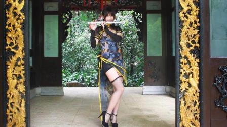 点击观看《腿长1米1系列, 虽然服装很动漫, 但是舞蹈很古典》
