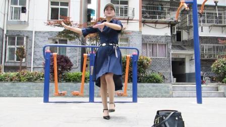 神农舞娘广场舞 室外版 海草舞 这太阳是要把姐姐晒化的节奏