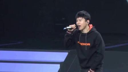 张杰跳舞视频遭恶搞群嘲 工作室发声明谴责