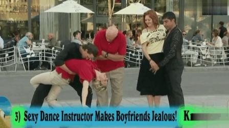 国外爆笑恶搞: 女朋友当街和别的男人跳热舞, 男