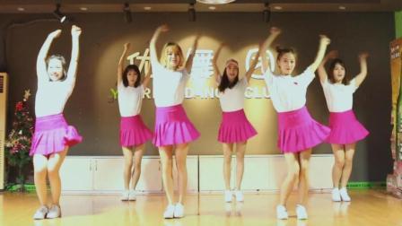 点击观看《6位小清新妹子跳爵士舞, 我感觉更适合我这个90后看》