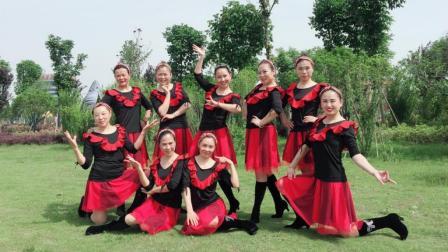 点击观看《美久广场舞 华夏传说 时尚现代舞教学分解 含正背面示范》