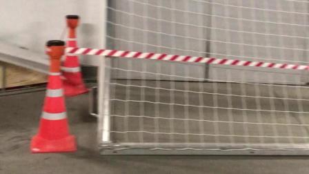 世界杯揭幕战球门在球场通道亮相 请注意保持距离