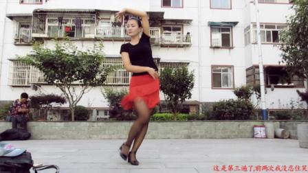 神农舞娘广场舞 恰恰 爱情毛毛雨 后面的老奶奶是不是很可爱