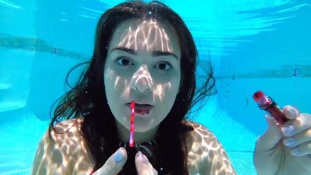 水下化妆挑战难度很大 她却能做到