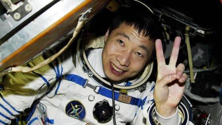 中国的航天英雄, 杨利伟现在过得还好吗?