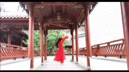 点击观看《古典舞 红昭愿 彼时南面隔春风 一刀裁入断玲珑》
