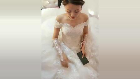 这个新娘还真是漂亮啊! 新郎肯定也很帅吧! 小伙