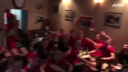 比利时球迷根据地酒吧 大长腿美女陪伴一起嗨
