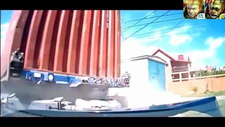 大货车司机真正老司机, 救了轿车司机一命
