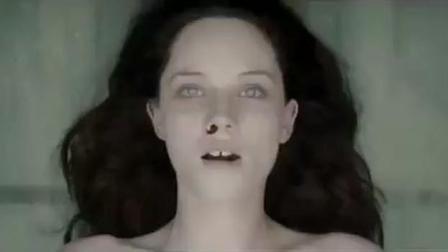 恐怖片解剖遭遇灵异惊魂, 尸检无名女尸