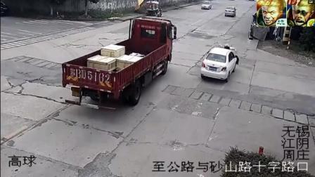 大货车饶他不死, 可难逃死神的魔爪, 开车需谨慎