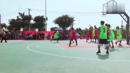 街球王吴悠过年也打球, 现身广东参加乡村篮球赛