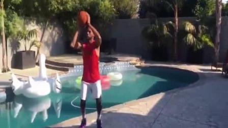 篮球模仿帝倾力表演nba级别的侧向跨步, 篮球搞笑