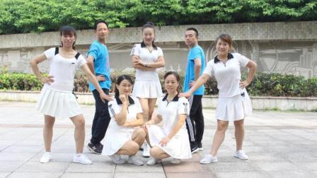 点击观看《凤凰香香广场舞 心跳 团队正背面示范 一步一步广场舞分解教学视频》
