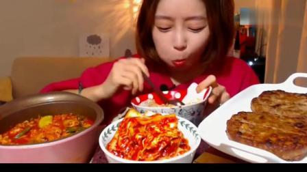 韩国美女多萝西一口金枪鱼一口泡菜, 妹子其实最